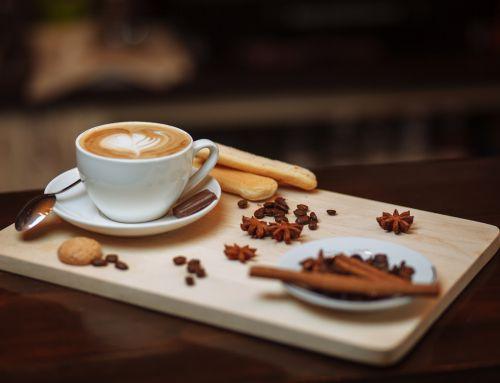 Cosa c'è di meglio di un caffè?Magari servito con il dolcetto